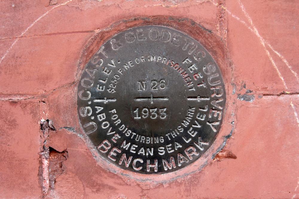 Geodetic disk elevation marker
