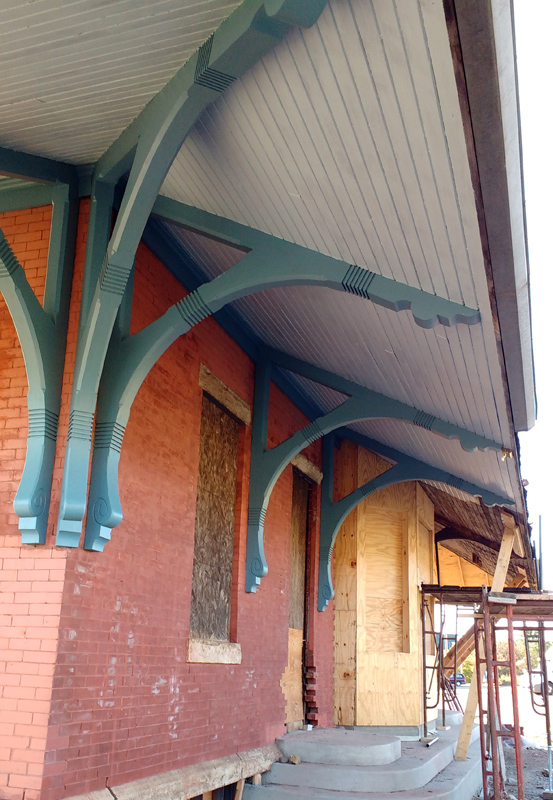 Painted eaves and brackets